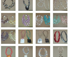 Sublime stock jewelry (bijoux) at very attractive price €0,25.