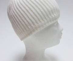 White knitted beanies