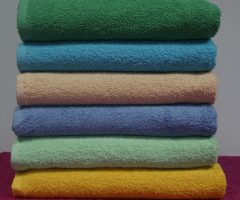 Plain terry towels  , size 70 x 140cm  weight  400  gsm