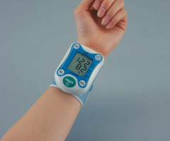 Wrist measuring Automatic Blood Pressure Monitor