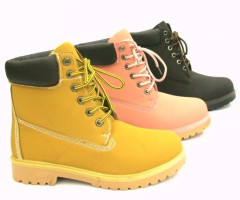 Women's Winter Boots € 11.50 per Pair