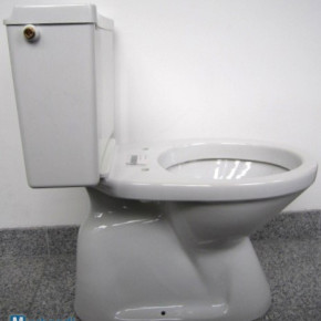 Toilet combination + water-tank in white with connection to the floor