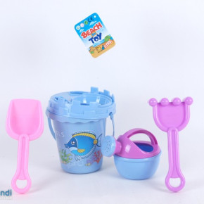 Beach bucket tower shape with accessories