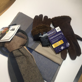Gloves -fed goat suede and Scarves -Flannel Cotton