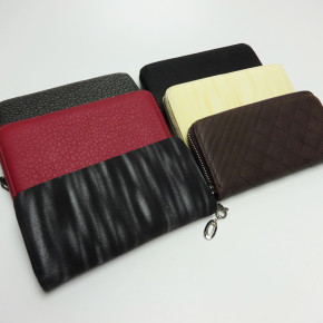 Luxurious ladies wallets with zipper closure
