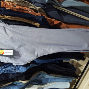 Great opportunity. Liquidation Brand Name Women & mens jeans 10€ each.