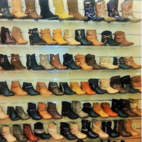60 pairs of winter boots women per pair € 12.50
