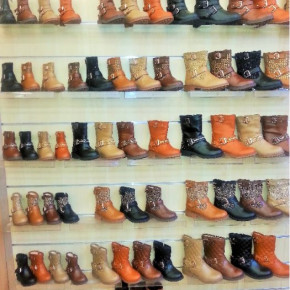 60 pairs of winter boots girls children per couple € 12.50