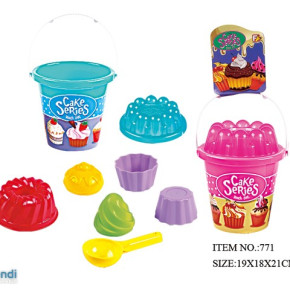 Beach  Toy Bucket with cake's  accessories