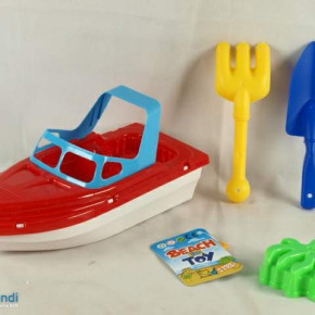 Ocean Plastic boat with 3 accessories sand toys