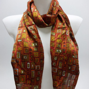 Red satin-look scarves with graphic print
