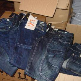 Arizona, Early 20, Melrose, Ganeder and other brands of jeans, sweatshirts, handbags, jack