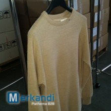 Mixed sweaters from Italian manufacturer - stocklot