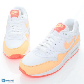 NIKE SPORT SHOES FOR LADIES model: 599820114
