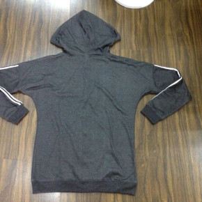 Sweater with hoodie and zip