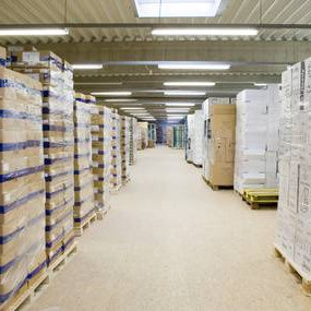 Mixed pallets of electronics, sound and vision, major and minor appliances