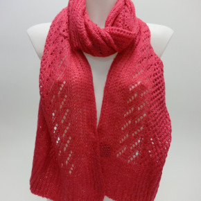 Pink knitted scarves with lurex