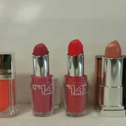 Maybelline and Astor lipsticks in odd lots / mix