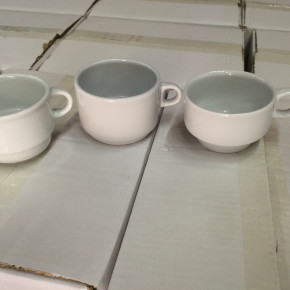 40,000 pcs of Porcelain cups 30 pallets made  in europe 0,15 EUR/pcs