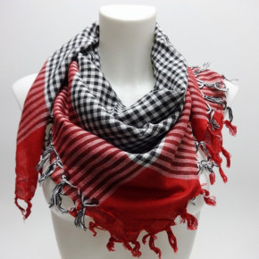 Square scarves with check-pattern and fringes