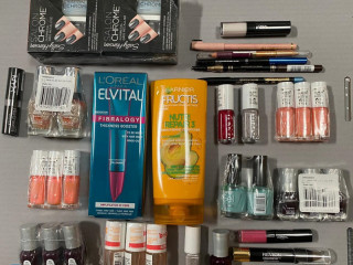 Gift box cosmetics in a new mix in a new delivery