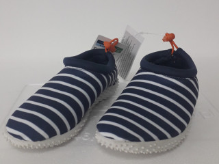 Children's swimming shoes