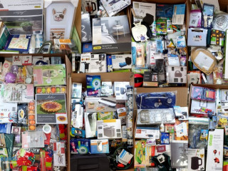 Sale of household items (Bazaar) with the Aldi brand