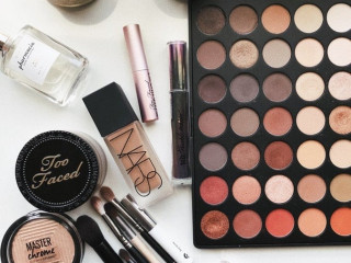 Sale of make-up brands in Lot