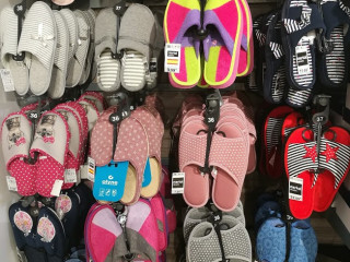 Mix men, women and kids home slippers