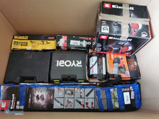 Small stock of power tools and garden tools C grade 53 pieces